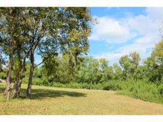 Property in Brenham, TX thumbnail 4