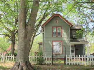 Property in Canton, IL thumbnail 2