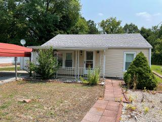 Property in Litchfield, IL thumbnail 4