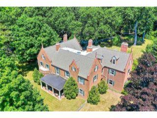 Property in Manchester, CT thumbnail 4