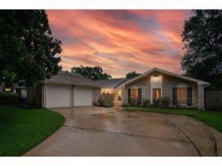 Property in Houston, TX thumbnail 5