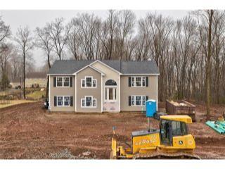 Property in Meriden, CT thumbnail 4