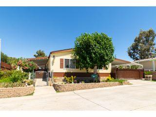 Property in Palmdale, CA thumbnail 2