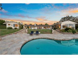 Property in Rancho Santa Fe, CA thumbnail 2