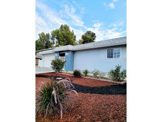 Property in Newhall, CA thumbnail 4
