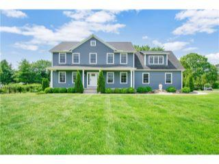 Property in Enfield, CT thumbnail 3