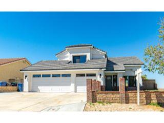 Property in Palmdale, CA thumbnail 1