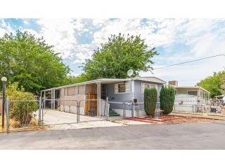 Property in Palmdale, CA thumbnail 3