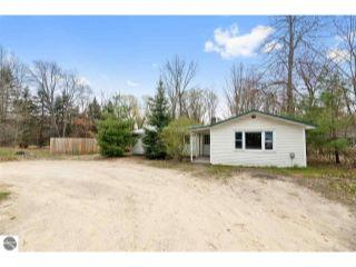 Property in Traverse City, MI thumbnail 5