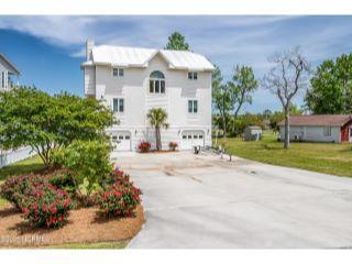 Property in Hubert, NC 28539 thumbnail 1