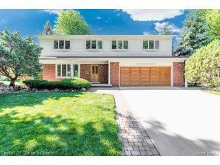Property in Dearborn Heights, MI thumbnail 1