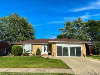 Property in Dearborn Heights, MI thumbnail 6