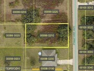 Property in Lehigh Acres, FL thumbnail 3