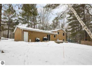 Property in Traverse City, MI 49696 thumbnail 1