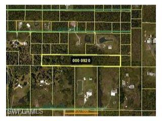 Property in North Fort Myers, FL thumbnail 3