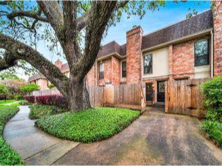Property in Houston, TX thumbnail 4