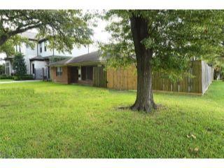 Property in Houston, TX 77056 thumbnail 2