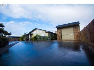 Property in Roseburg, OR
