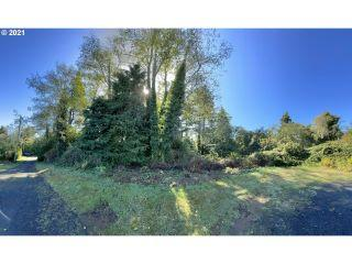 Property in North Bend, OR thumbnail 1