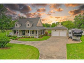 Property in Brazoria, TX thumbnail 2