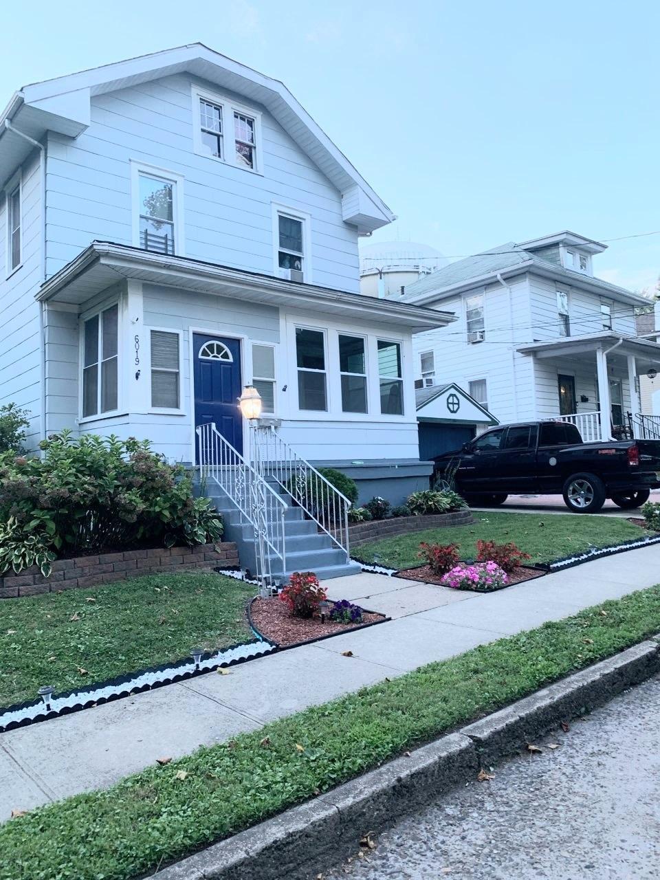 Property Image for 6019 Victoria Avenue