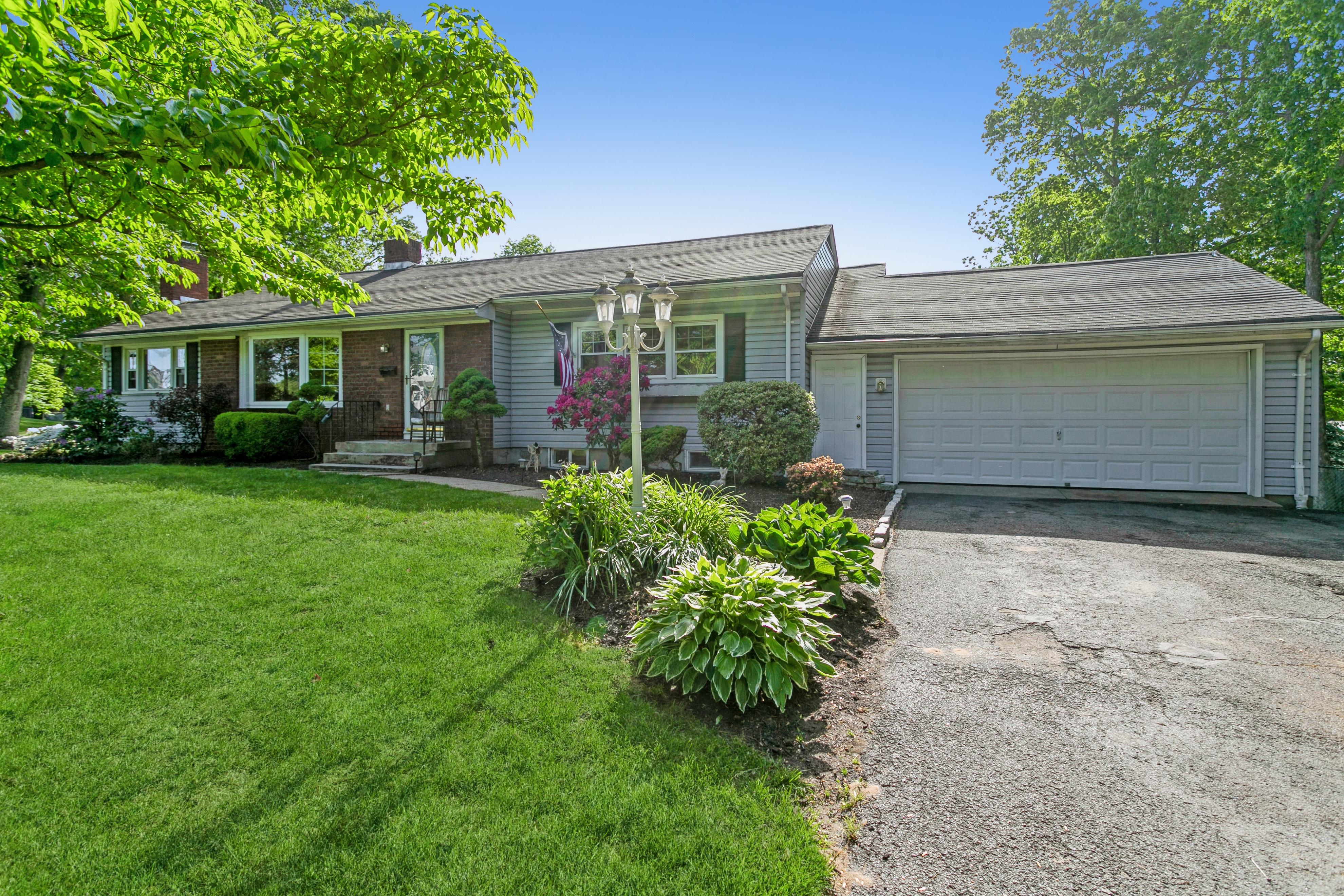 Property Image for 61 Highview Avenue