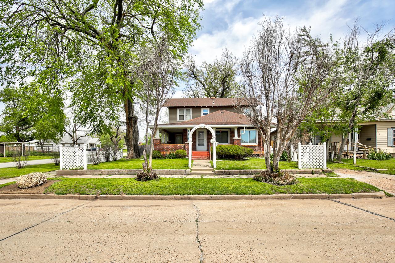 Property Image for 2102 E Elm Avenue