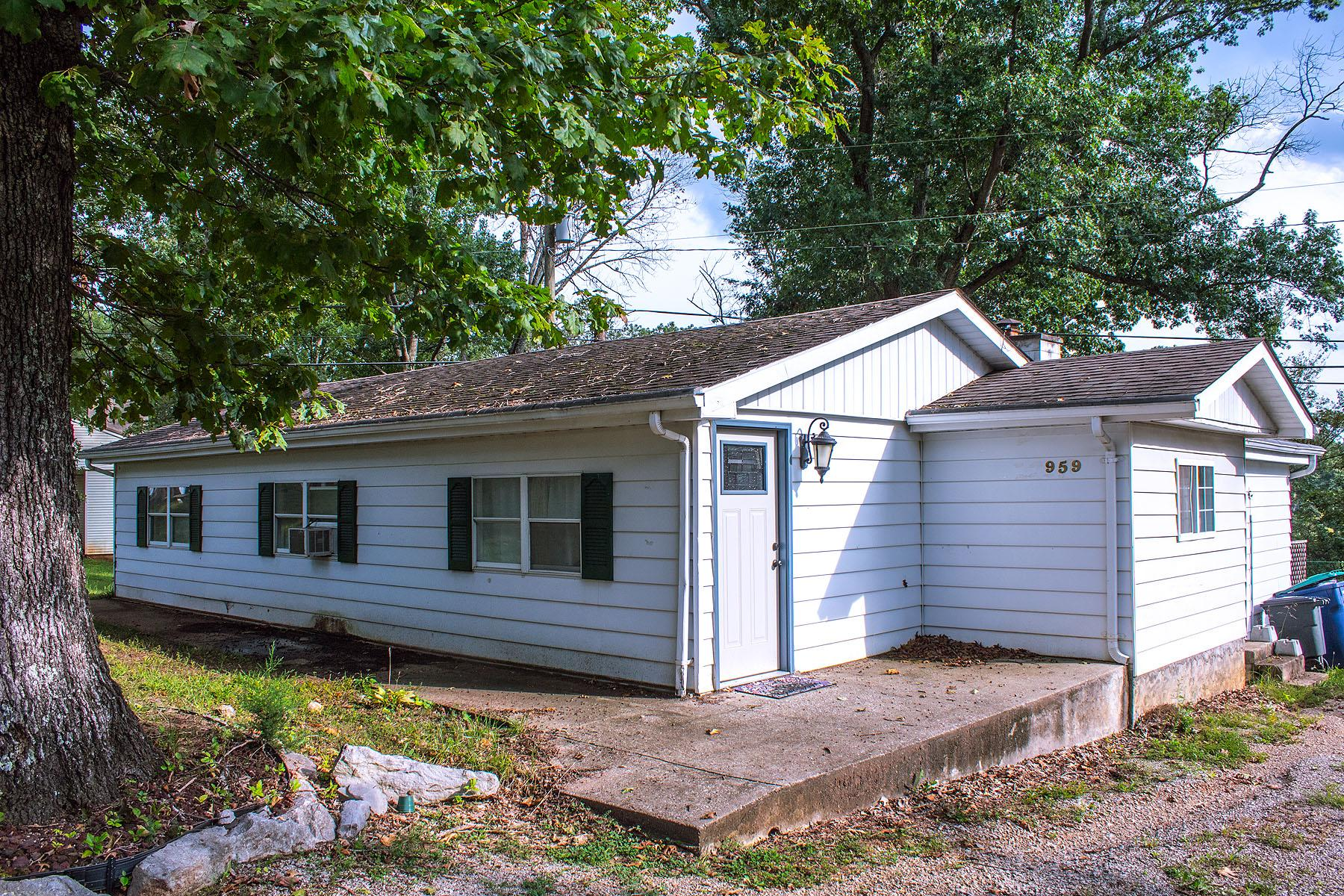 Property Image for 959 Lakeview Dr.