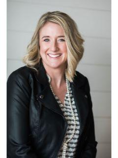 Lindsey Dacey of CENTURY 21 Signature Real Estate