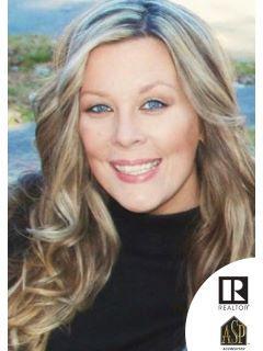 Danielle Callow of CENTURY 21 Ashland Realty