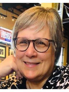 Lynn Albro of CENTURY 21 MM