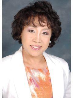 Charlene Lee of CENTURY 21 iProperties Hawaii