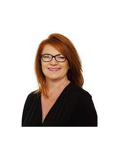 Gina Weesner of CENTURY 21 Hellmann Stribling
