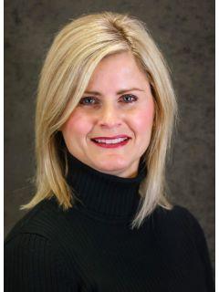 Lisa Watts of CENTURY 21 Paramount photo