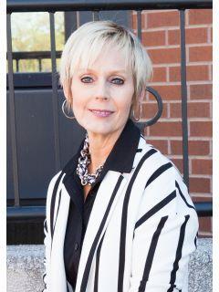 Tammy McKenzie of CENTURY 21 LSB Real Estate