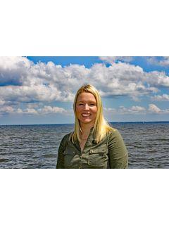 Jillian Harris of CENTURY 21 Sail/Loft Realty