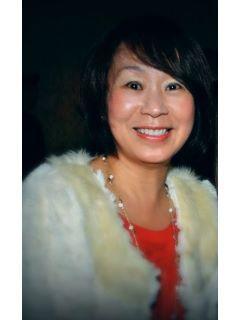 Sue Lu of CENTURY 21 Union Realty Co.