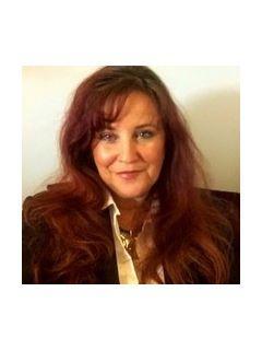Lori Landes of CENTURY 21 Legacy