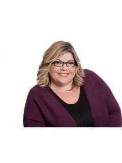 Lisa Hicks of CENTURY 21 Judge Fite Company
