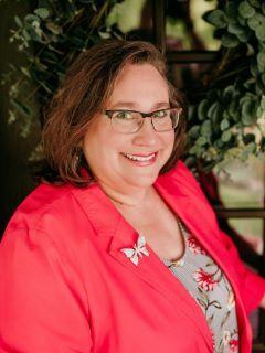 Lisa Main-Haubrich of CENTURY 21 Advantage Real Estate, Inc.