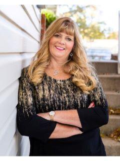 Lynn Papenbrok of CENTURY 21 All-Pro