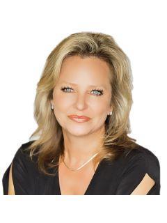 Dawn Adams of CENTURY 21 Judge Fite Company