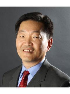 Steve Hwang of CENTURY 21 Union Realty Co. photo
