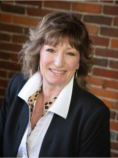 Jennifer Worrell of CENTURY 21 Signature Real Estate