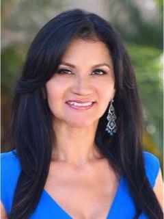 Gabriela Salazar of CENTURY 21 Allstars