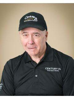 George McIntyre of CENTURY 21 Gold Award Realty