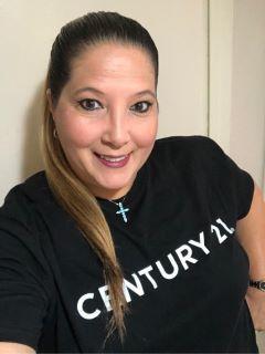 Ivis Suarez of CENTURY 21 Myers