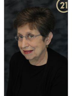 Connie Farina