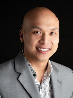 Si Xiong of CENTURY 21 Beutler & Associates