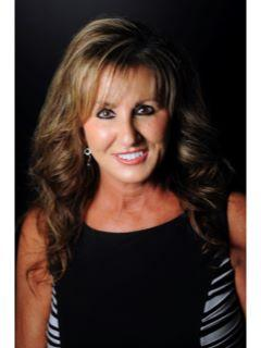 Donna Pearcy of CENTURY 21 Paramount
